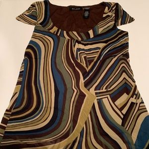 🛍Multi Colored Over Solid Brown Med Top Used